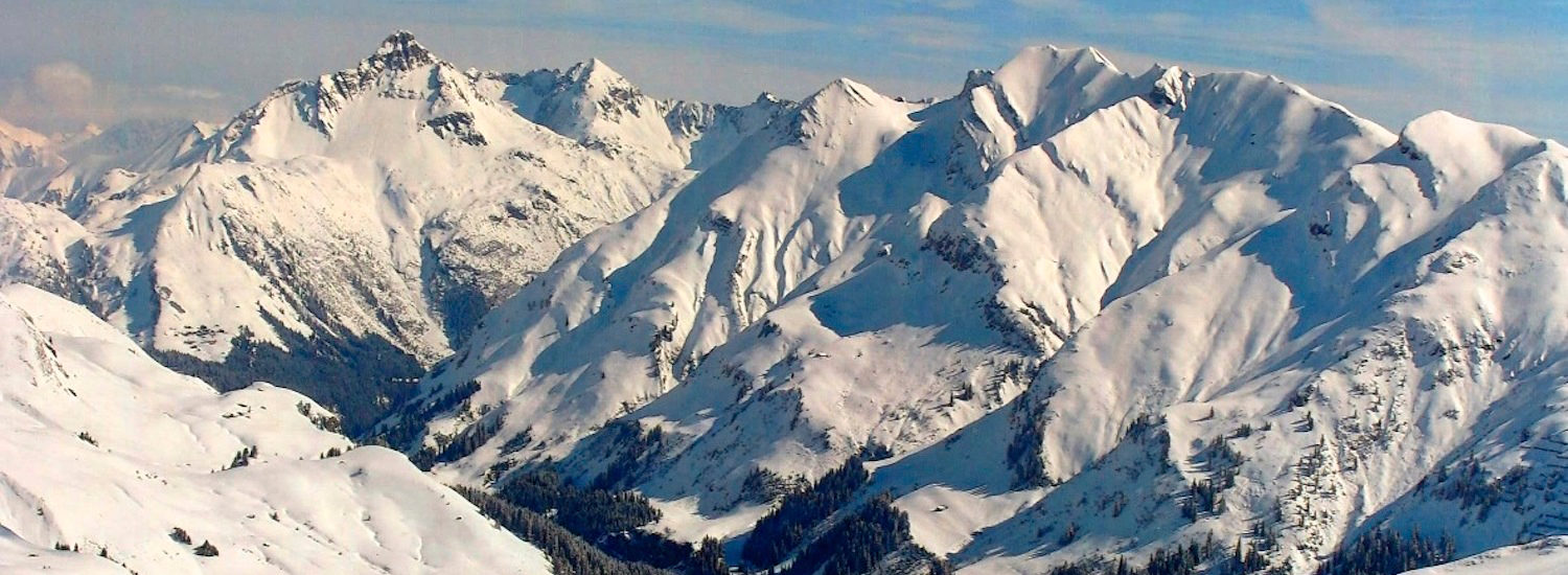 Photo of the mountains around Lech am Arlberg
